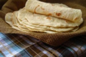 La Luna Tortillas