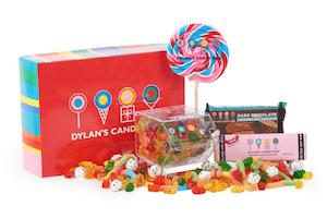 Dylan's Candy Bar Box Signatures